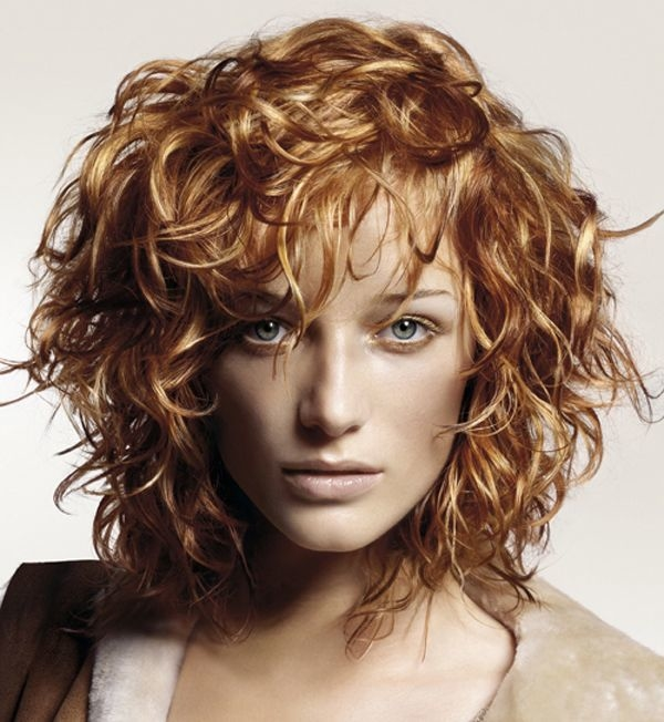 Let\'s know about attractive short layered haircuts for curly hair ...