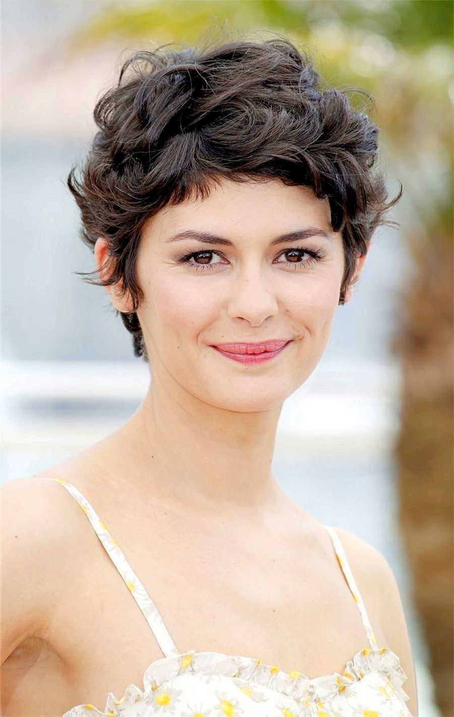 Short Hairstyles For Curly Hair Women 50